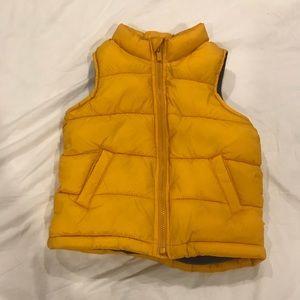 Old Navy puffer vest size 5 unisex